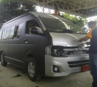 toyota commuter full wrap black matte