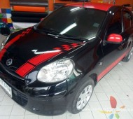 Nissan March สีดำแต่ง Racing RED Design